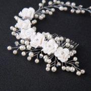 Bijoux de tête mariée fleurs blanche