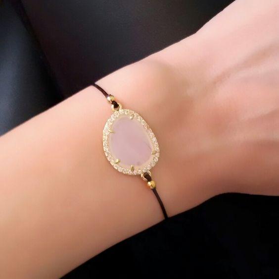 bracelets femmes cordon coton bijoux fantaisie pas cher. Black Bedroom Furniture Sets. Home Design Ideas