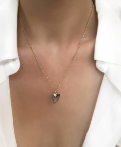 Collier dore pierre tendance