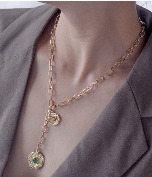 Collier grosse maille medaille pierre verte